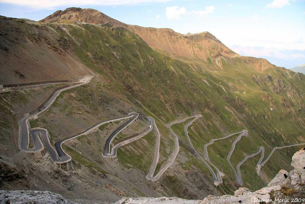 Gata Loops, Leh - Manali Highway