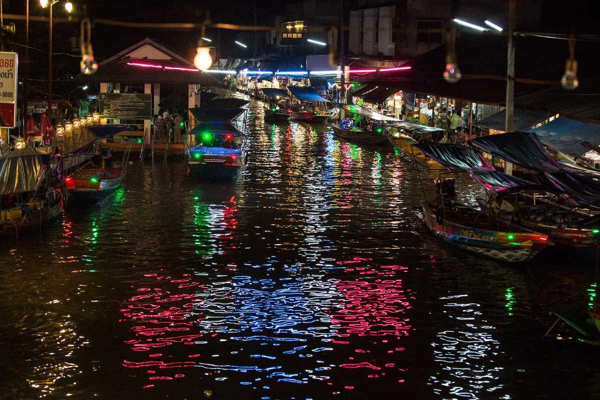 Amphawa Floating Market