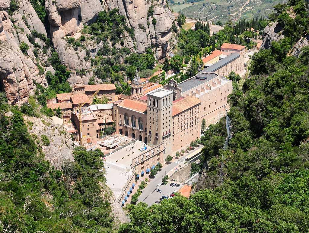 basilica, mountains, montserrat, attractions in Barcelona