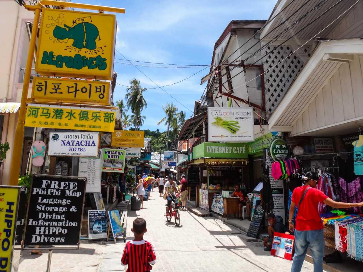 phuket or pattaya, phuket market