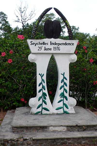 Monument marking Seychelles Independence Day, History of Mahe