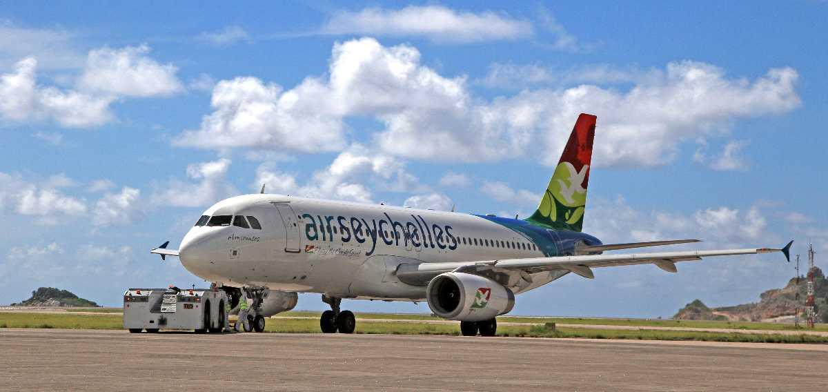 Seychelles International Airport, Island hopping in Seychelles
