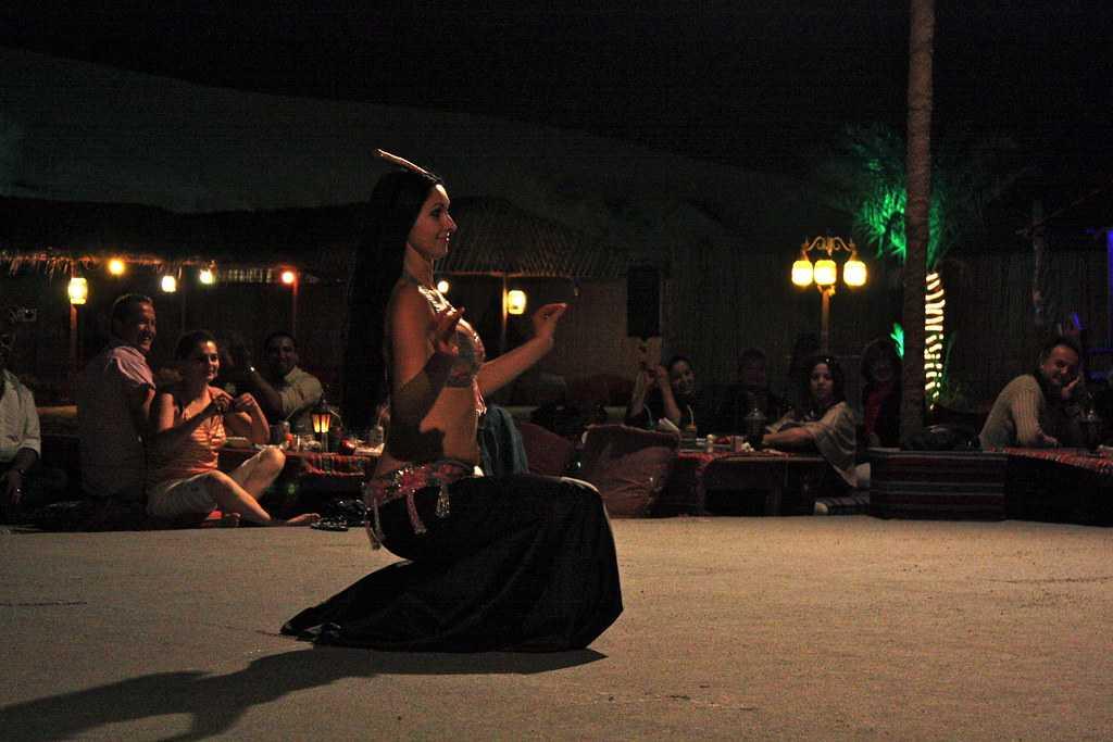 Belly Dancing Performace, Desert Safari in Sharjah