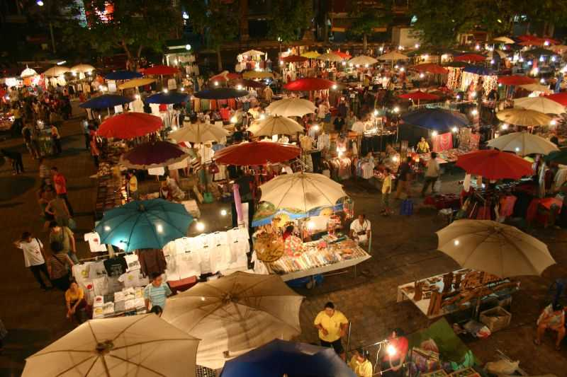 Sunday Walking Street, Night Markets in Chiang Mai