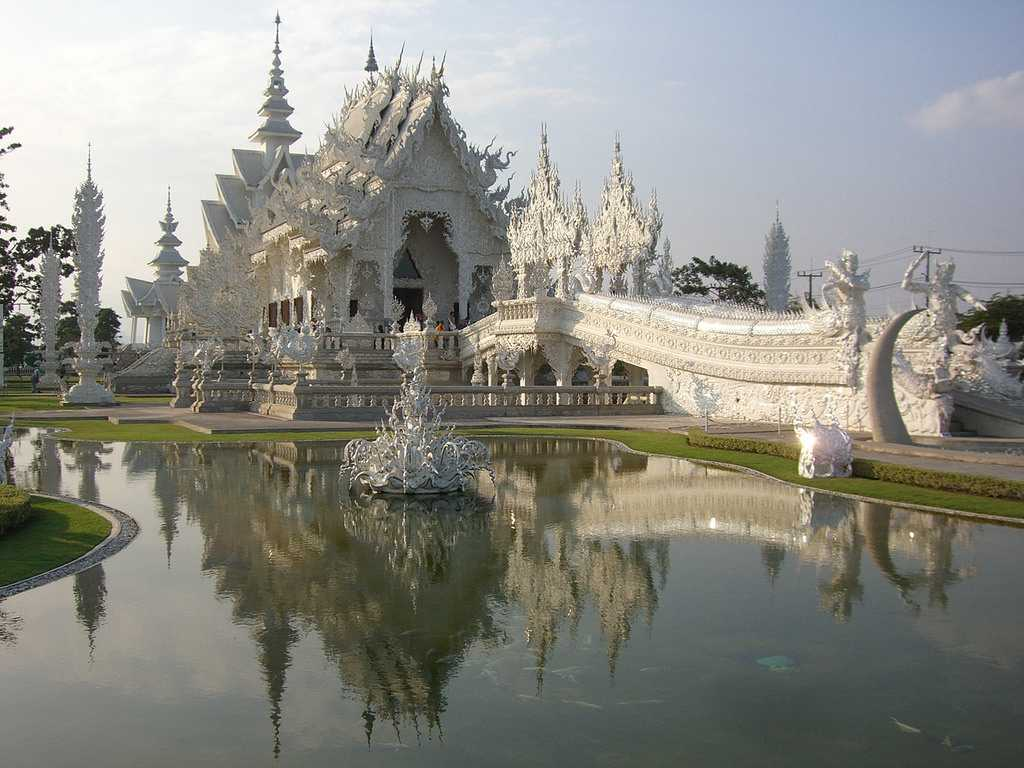 Wat Rong Khun, temples in Thailand