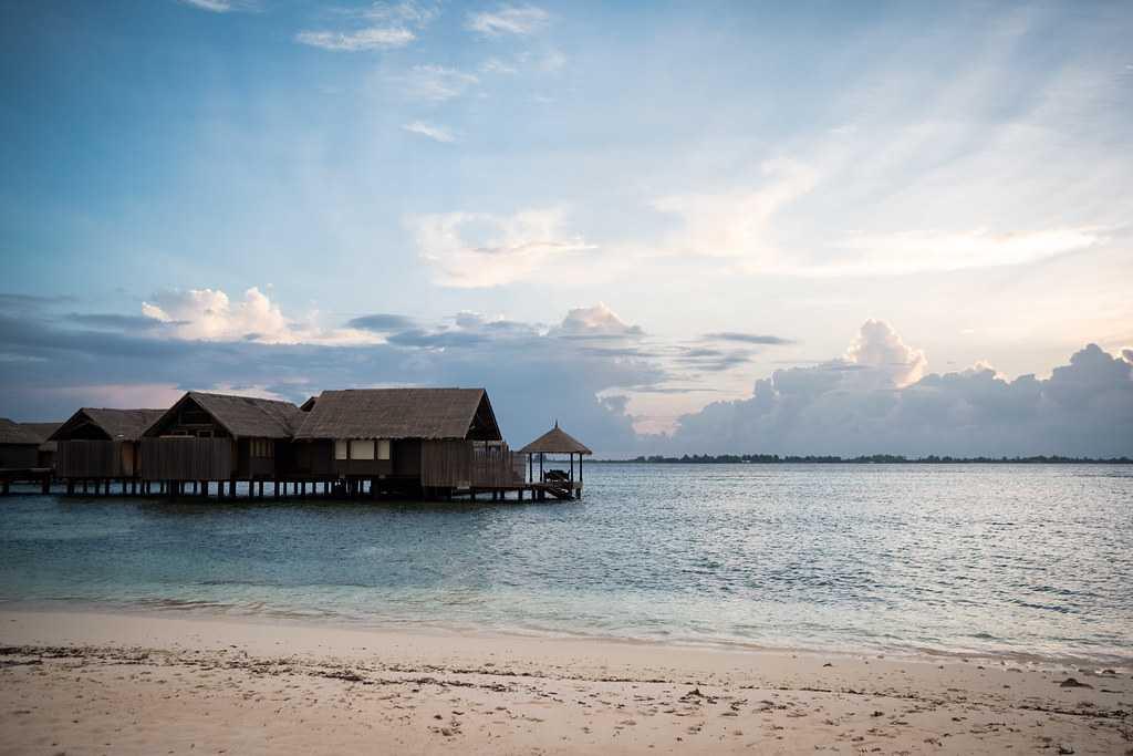 beach, shangrila, sunrise in maldives