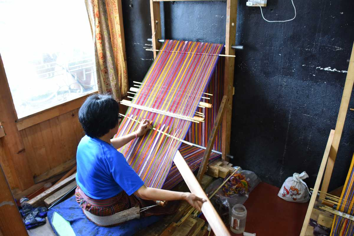 Thagzo, Weaving in Bhutan