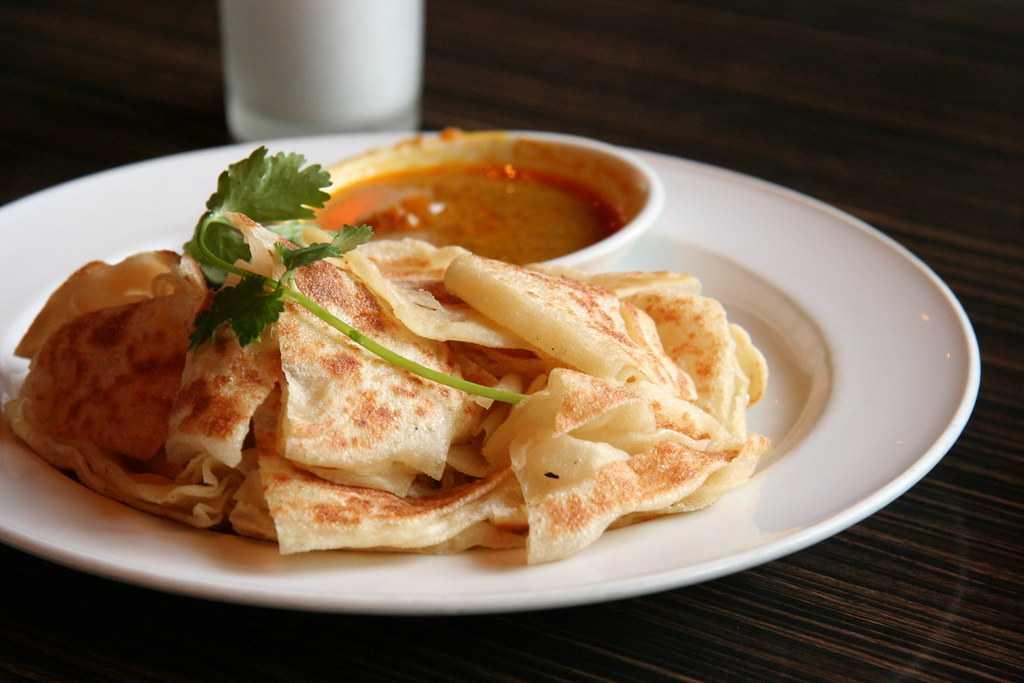Roti Canai, Street Food in Kuala Lumpur