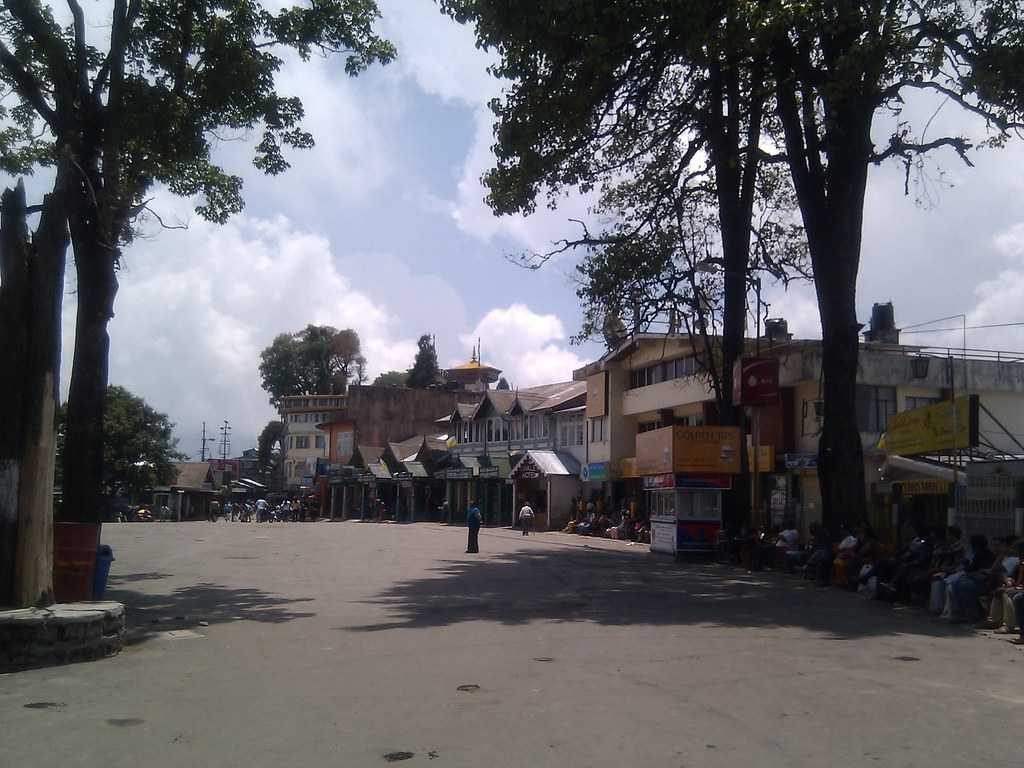 Mall Road, Darjeeling