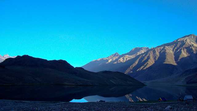 Chadratal lake at dawn