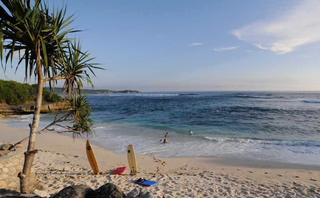 Honeymoon in Bali, Dream Beach