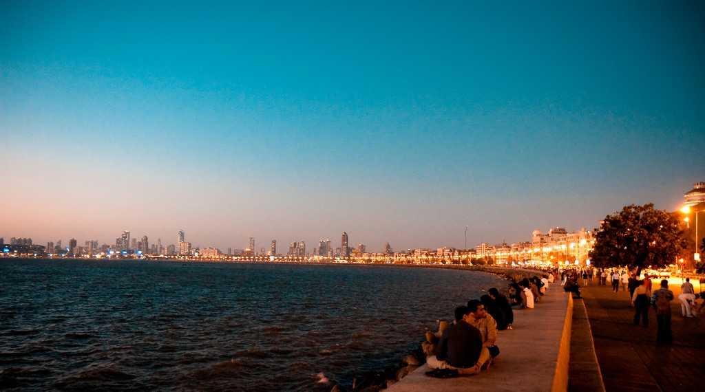 romantic places in mumbai, marine drive