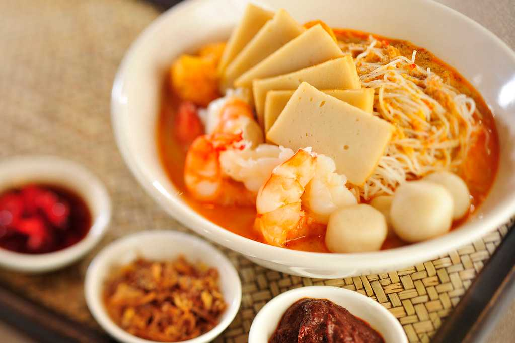 Laksa, Dishes of Singapore