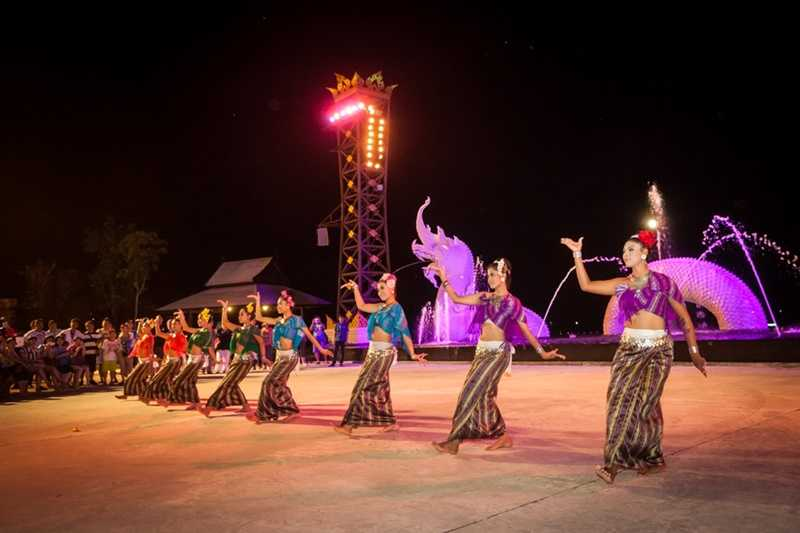 Traditional Thai Dance Performance at Siam Niramit, Phuket