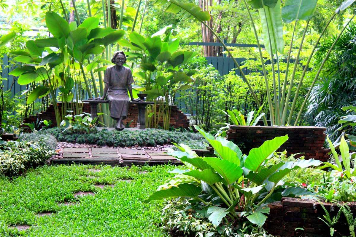 parks in bangkok, princess mother