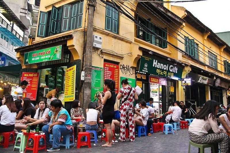 Bia Hoi Corner Hanoi Vietnam