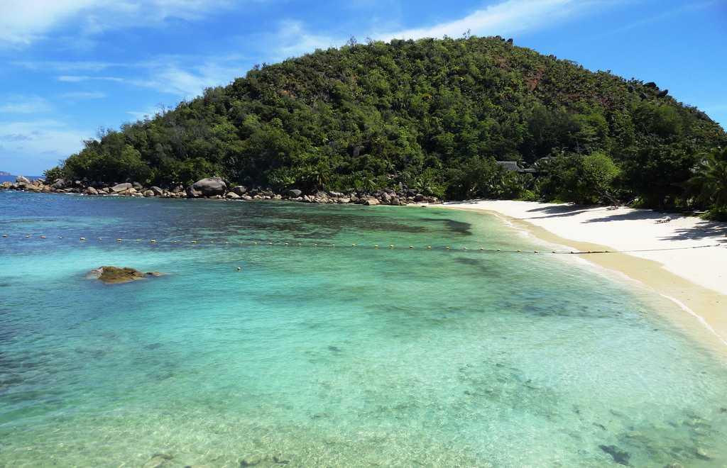 A view of Praslin Island