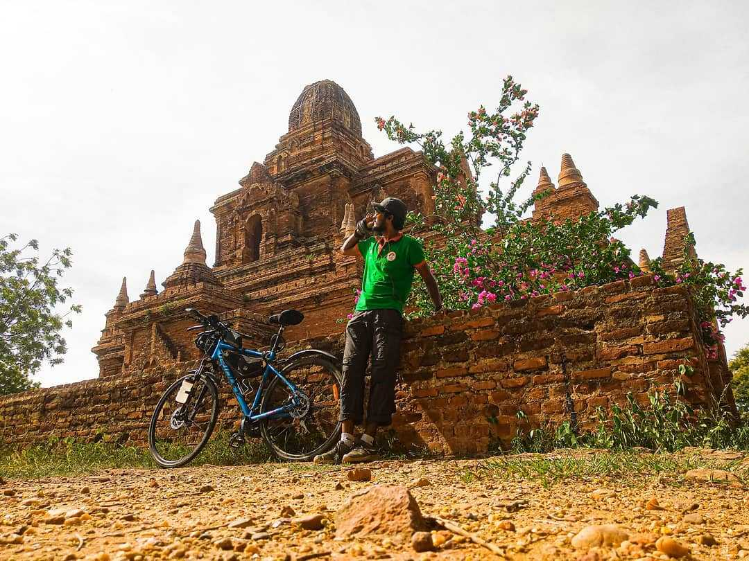 Himanshu Goel on his cycle trip