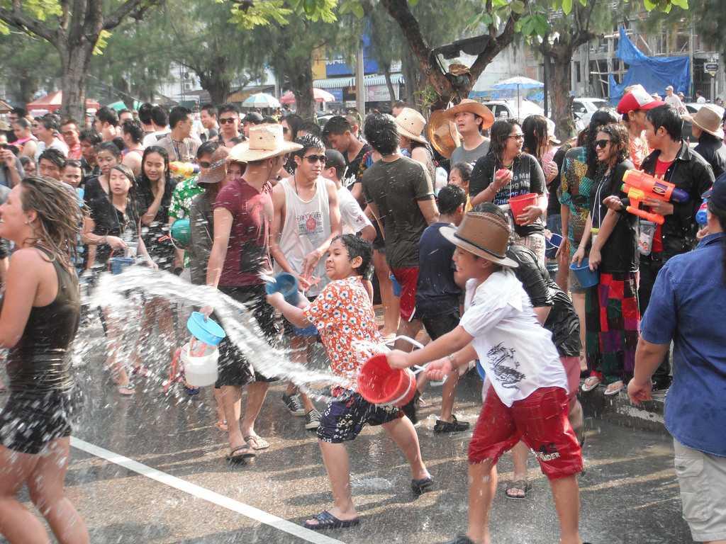 Songkran Festival : Water fight