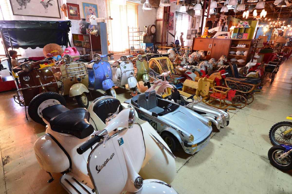 Papaya Vintage Shop Bangkok Thailand