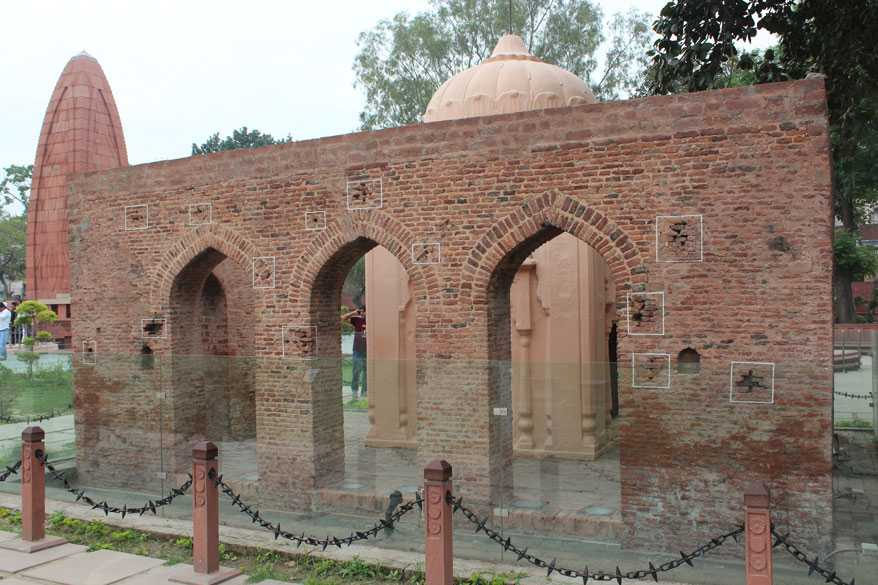 Jallianwala Bagh Massacre 13 April 1919 - Pictures ...