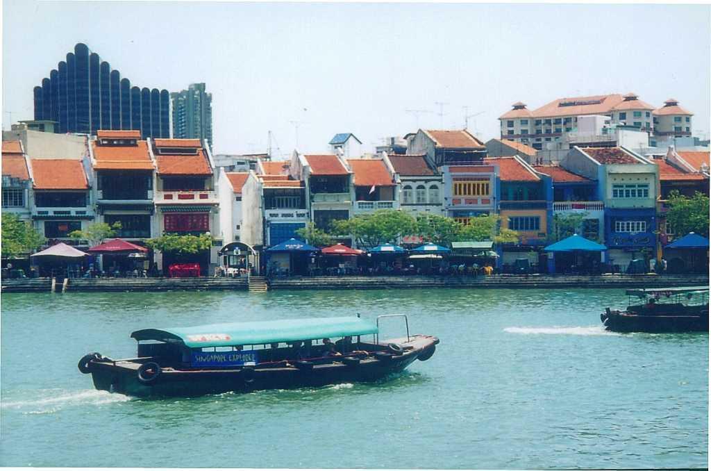 Singapore Bumboat Cruise, Boating in Singapore