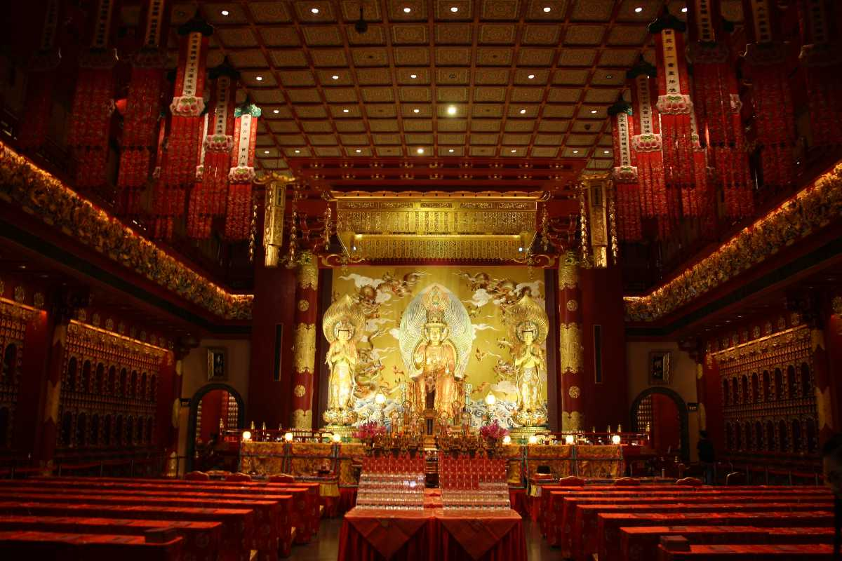 Buddha Tooth Relic Temple Prayer Hall