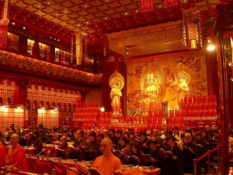 Vesak Day at Buddha Tooth Relic Temple