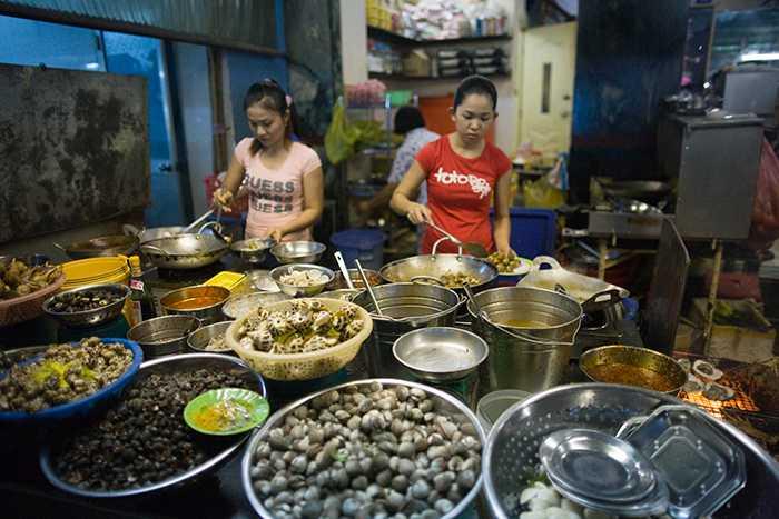 Van Kiep Street, Street food in Ho Chi Minh City