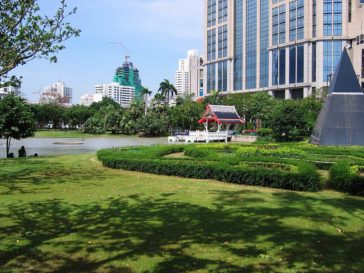 parks in bangkok, benjasiri park