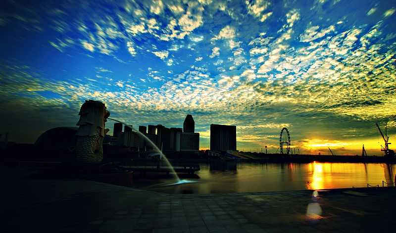 Sunrise at Merlion Park Singapore