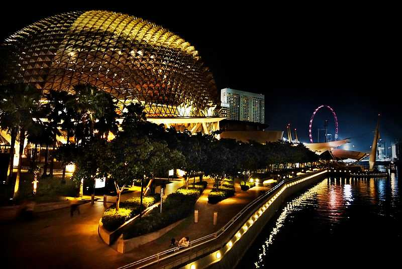 Esplanade - Theatres on the Bay, Architecture of Singapore