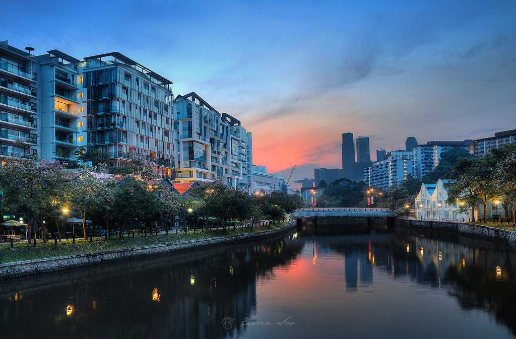 Sunrise on Singapore River