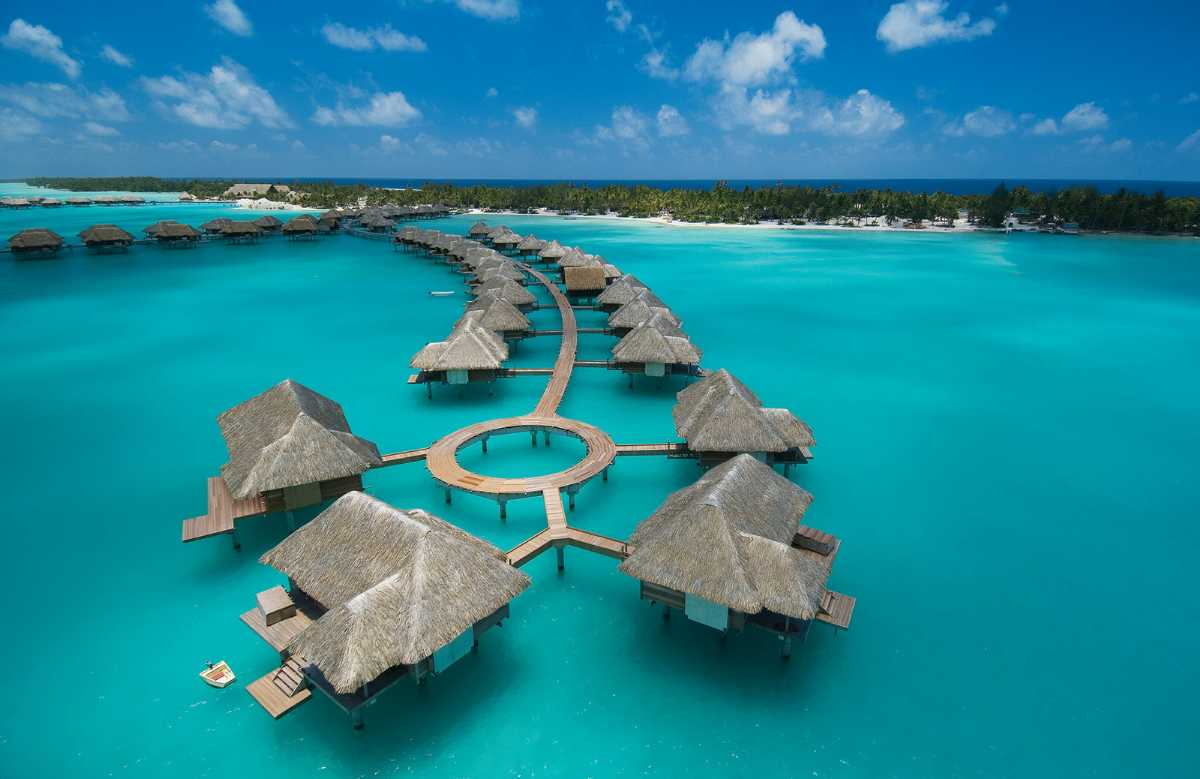 Vahine Island in Tahiti, Top 10 overwater bungalows in the world