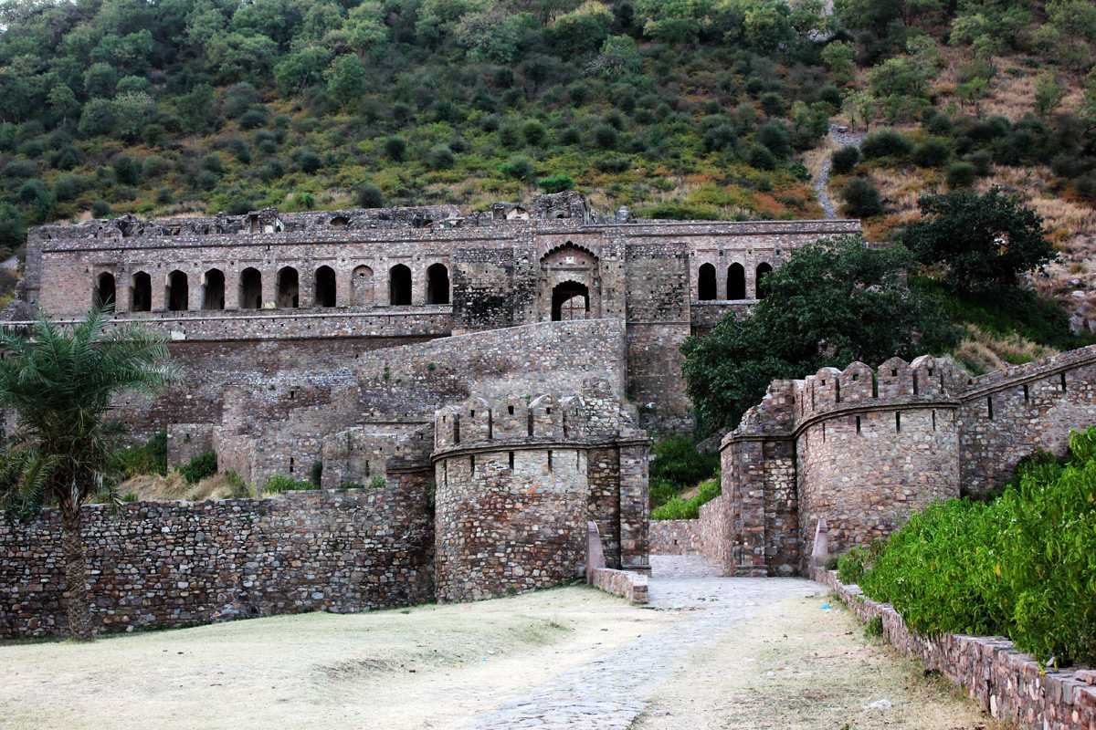 Bhangarh Fort- most Haunted places in the world