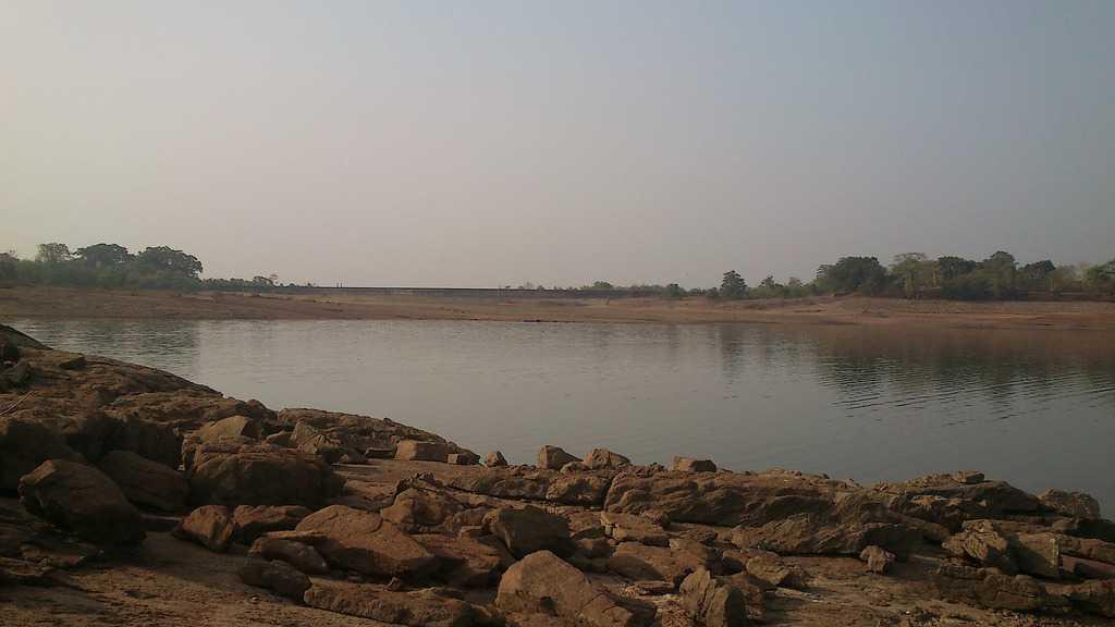 Malampuzha Dam, Summer afternoon