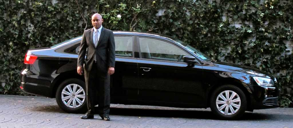 Personal chauffeur service to and from airport