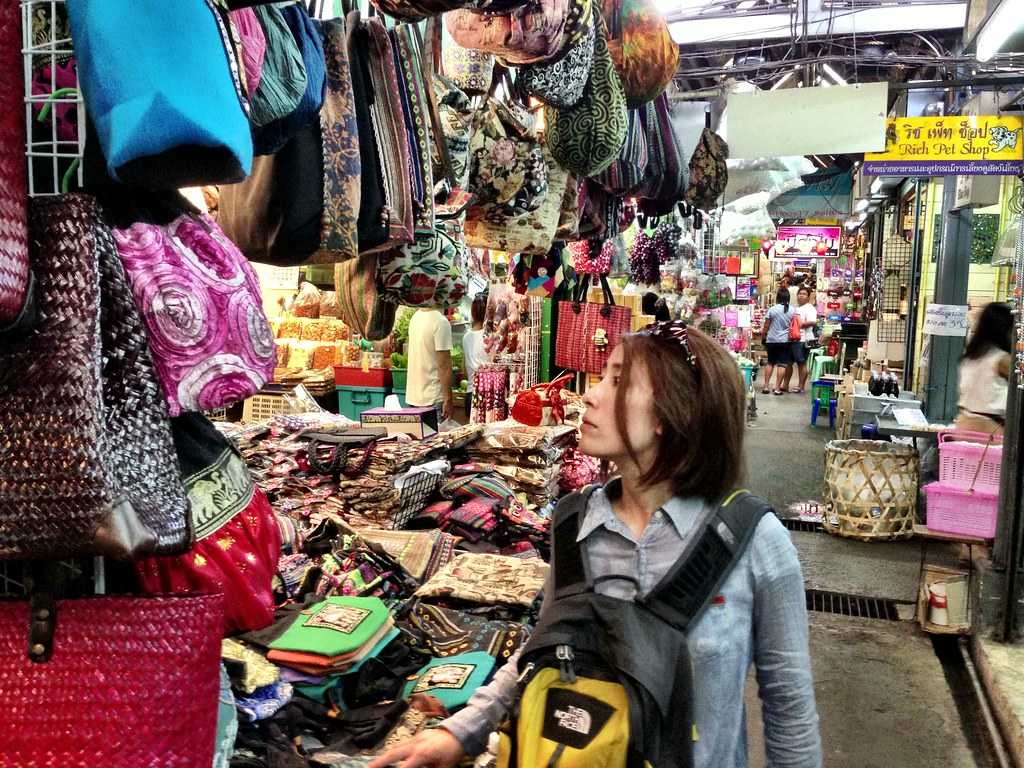 chatuchak weekend market, shopping in thailand