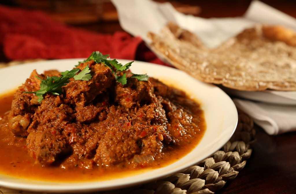 Pork Vindaloo, Street food of goa