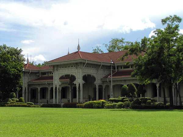 Abhishek Dusit Throne Hall