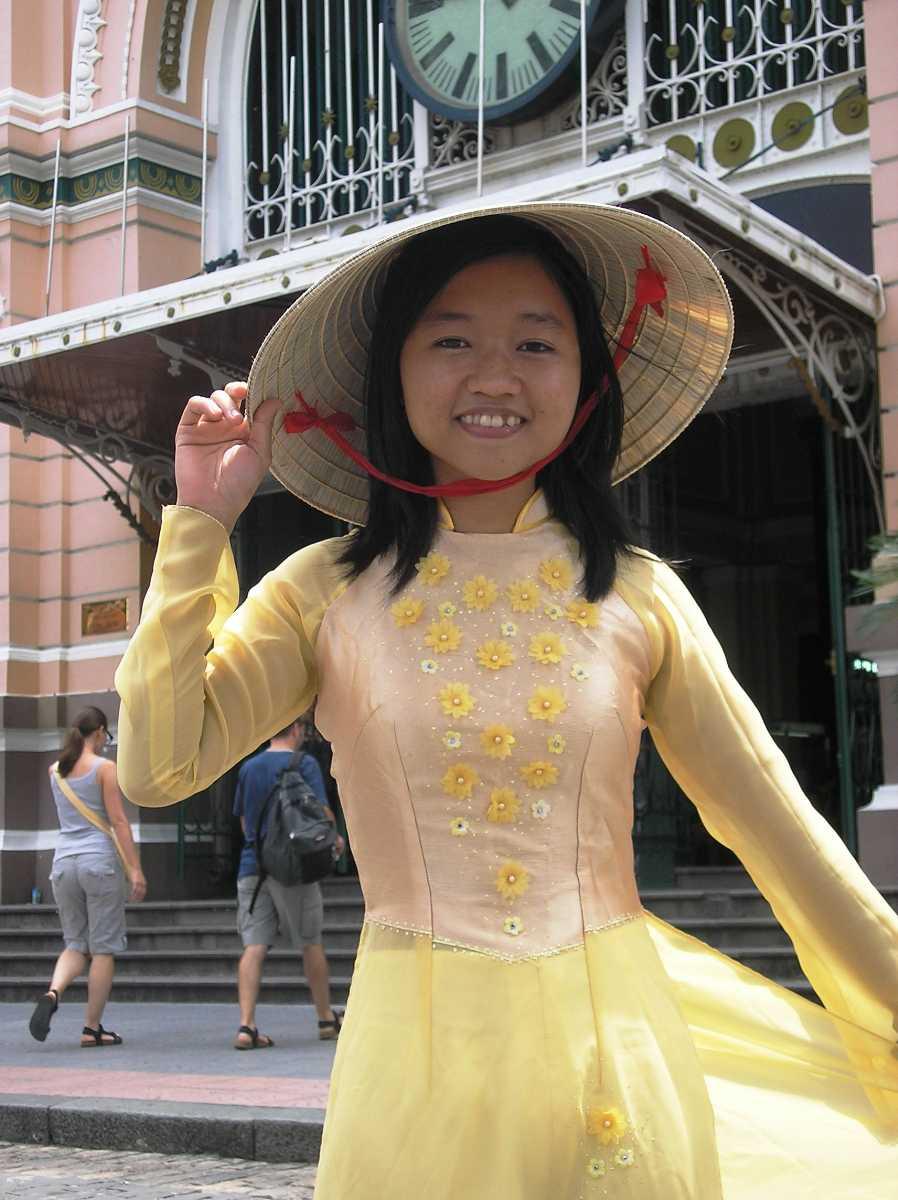 Culture of Vietnam, Vietnamese Cultural Dress, Ao Dai, Non La