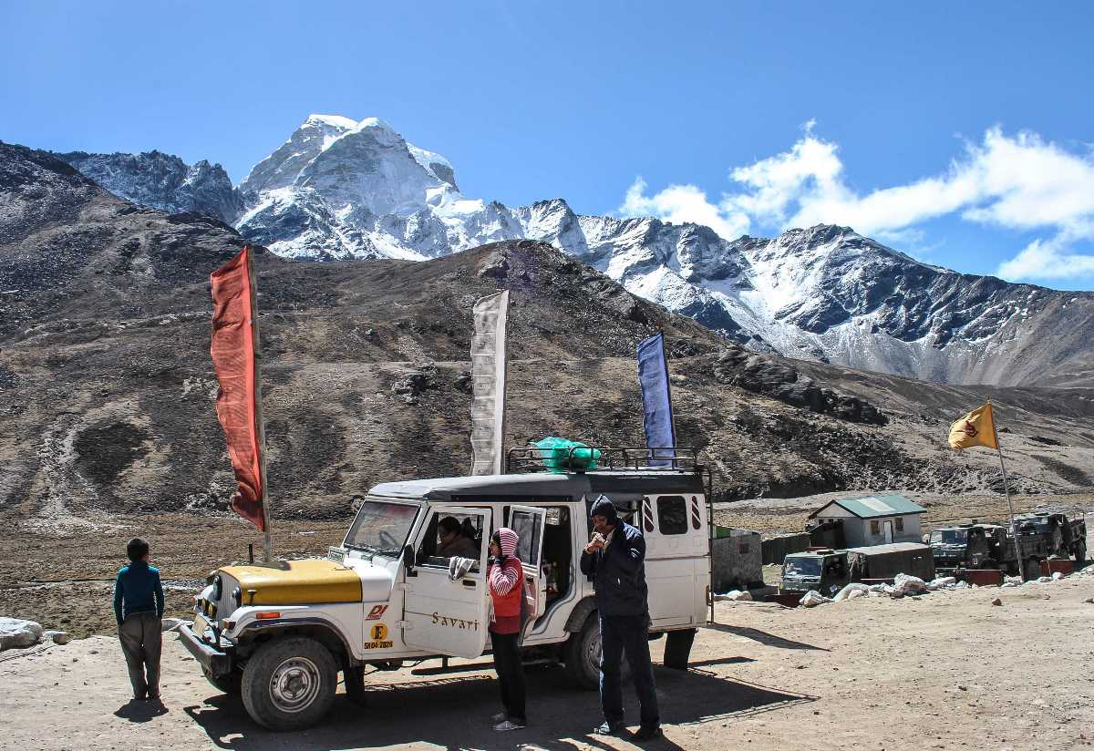 Army checkpost on way to Gurudongmar Lake, How to reach Sikkim