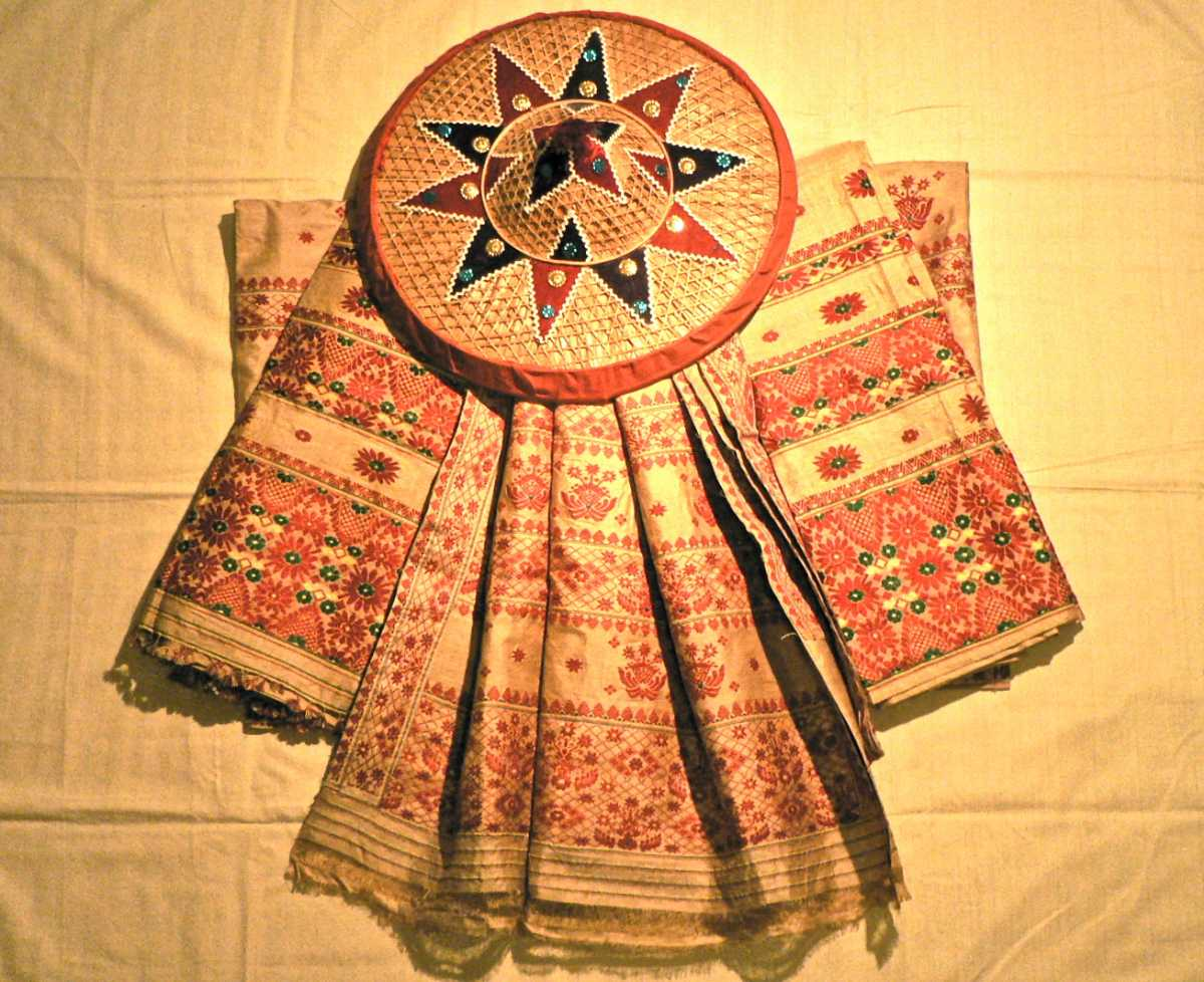 Mekhela Chador, Culture of Assam
