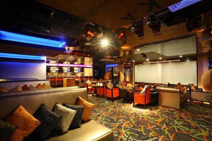 Ava Lounge, Radisson Blue, Nightlife in Kochi
