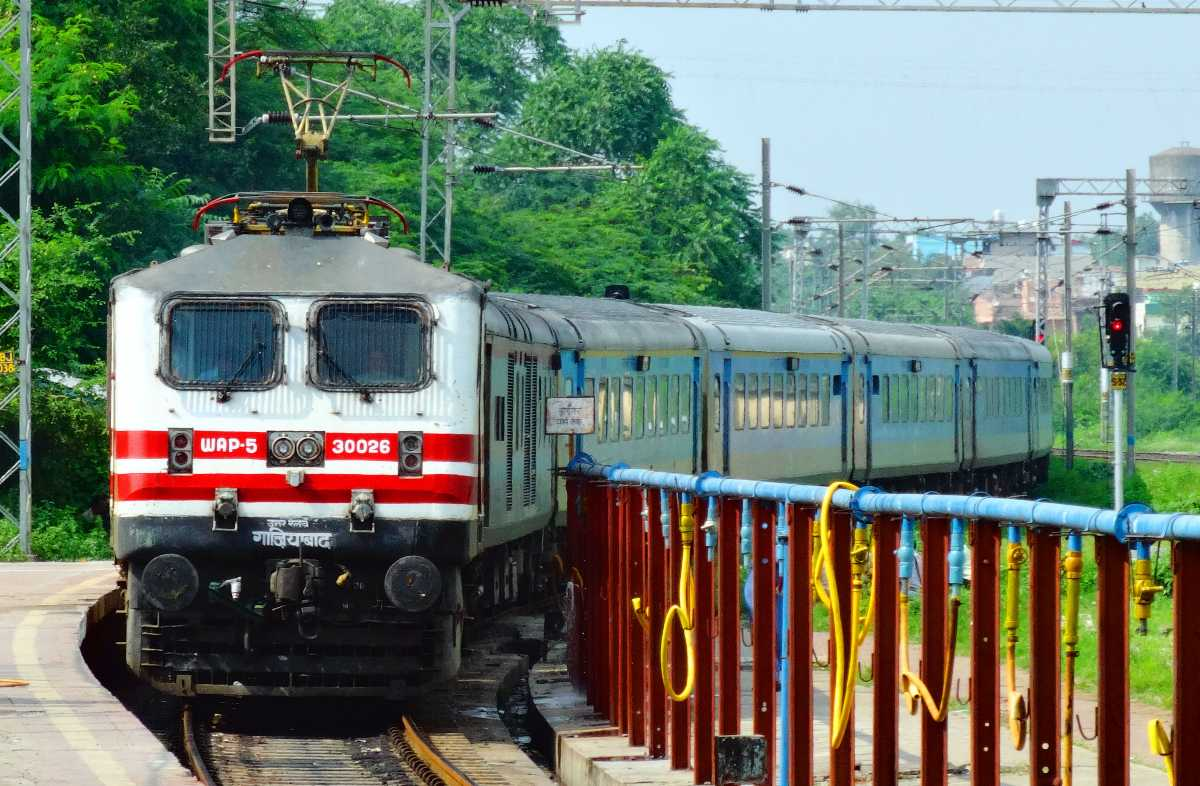 bhopal shatabdi, ten superfast trains in India