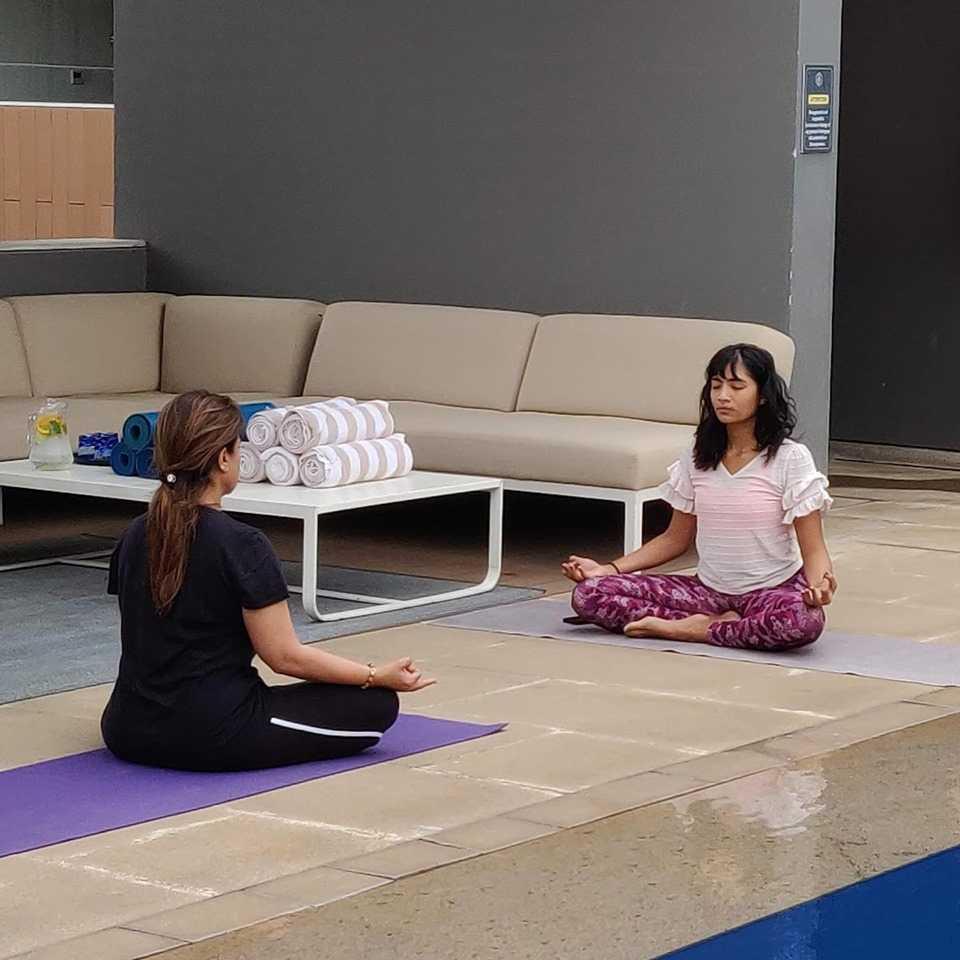 BLVD Club Yoga