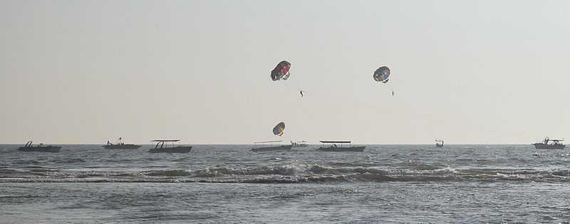 Parasailing in Goa, Baga Beach