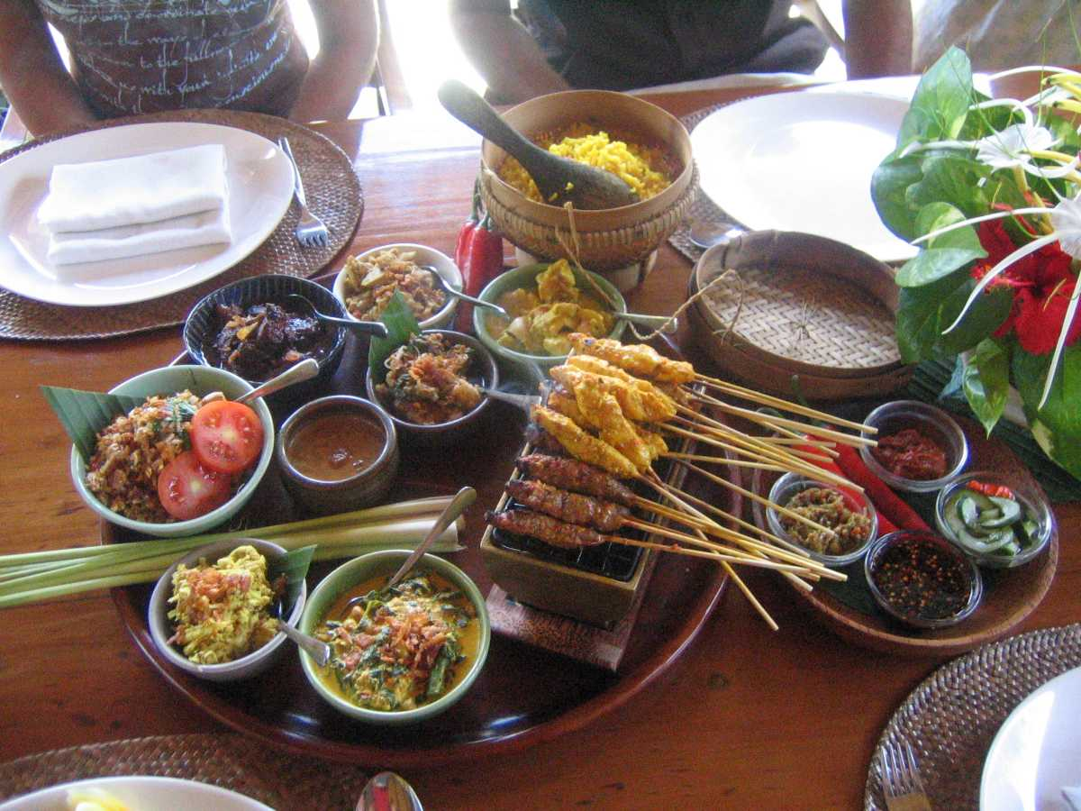Honeymoon in Bali, Balinese Cuisine