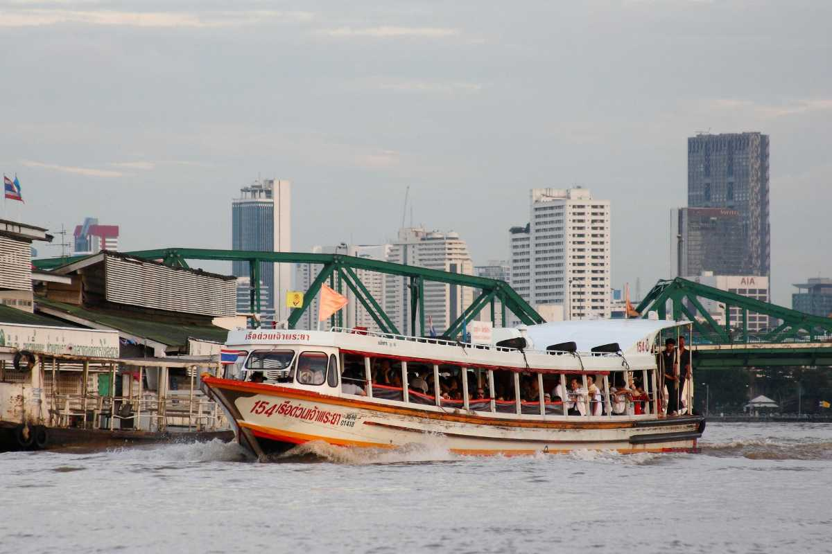 Express river taxi