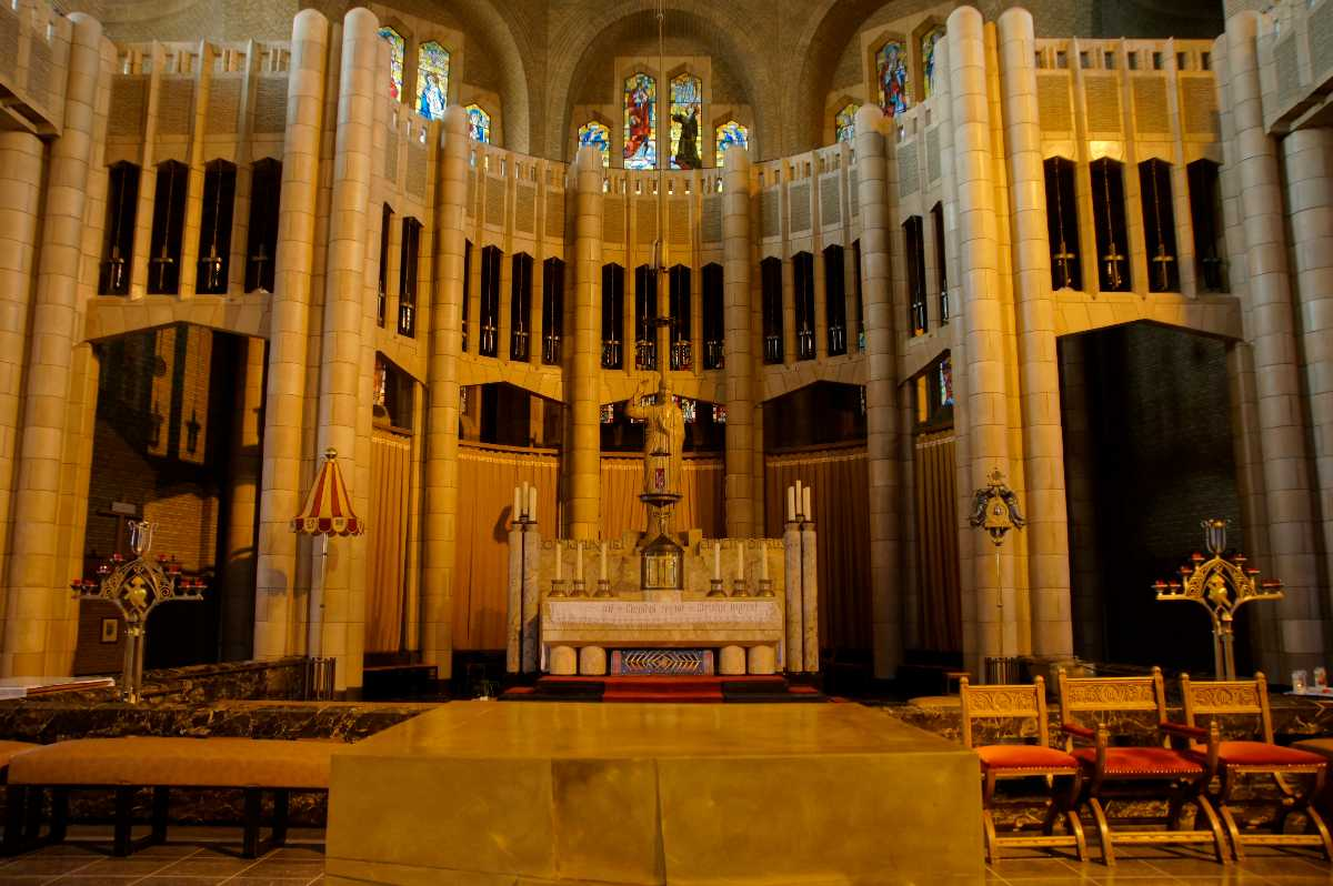 Basilica of the Sacred Heart, inside, chapel